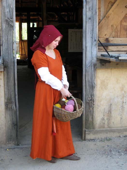 15th Century Working Woman's Overdress